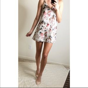 Tobi white floral shift dress